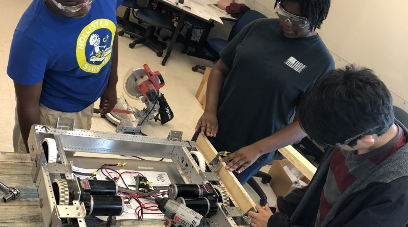 High School FRC Robotics Gets In Motion!